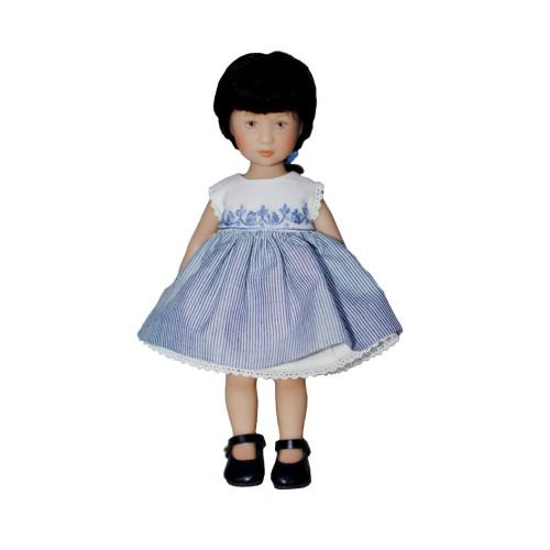Besticktes Kleid mit gestreiftem Rock