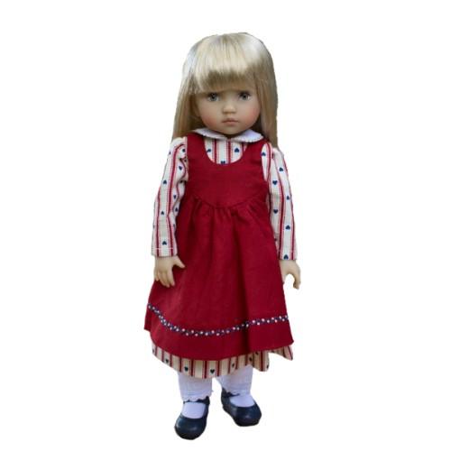 Kleid mit roter Schürze 24cm