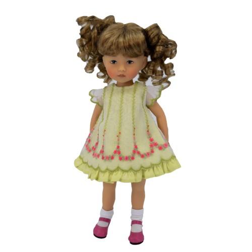 Zart besticktes Kleid 24cm