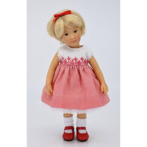 Besticktes Kleid mit rot gestreiftem Rock 20cm