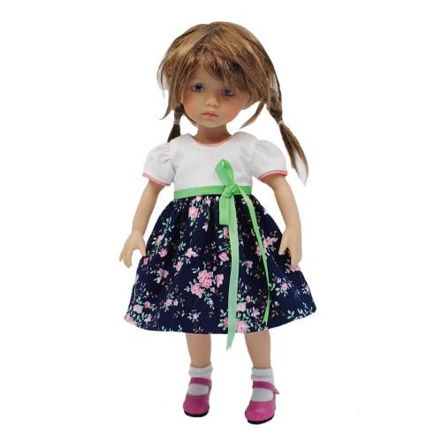Einfaches Kleid mit Rosenstoff 24cm